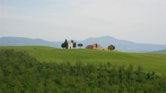 Tour the beautiful hills of Tuscany near Siena