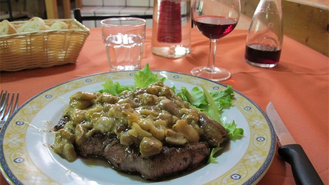 Bistecca (beef) with porchi mushrooms - a totally delicous foodie moment