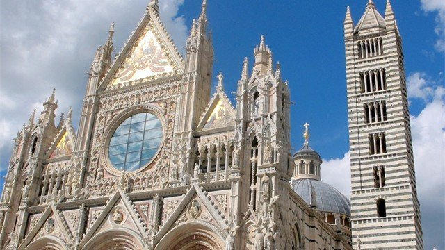 Fabulous architecture, culture and history as we explore and tour Tuscany with our small groups