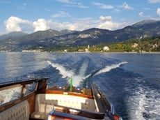 Going fast on beautiful Lake Como