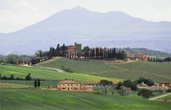 The beautiful verdant Tuscan coutryside dotted with villas and vineyards