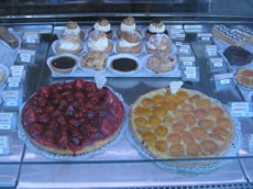 Patisserie heaven - in I go.