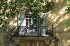 Gorgious bastide in Provence under dappled shade