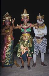 The rich Balinese culture expressed through the Ketchuk dance